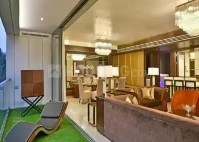 Gallery Cover Image of 4100 Sq.ft 4 BHK Apartment for buy in Rustomjee Elements, Andheri West for 164500000