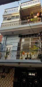 Gallery Cover Image of 2500 Sq.ft 8 BHK Independent House for buy in Sector 11 for 15000000