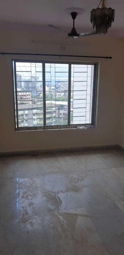 Living Room Image of 600 Sq.ft 1 BHK Apartment for rent in Thane West for 20000