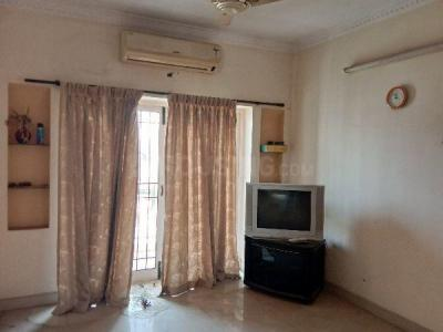 Gallery Cover Image of 1350 Sq.ft 3 BHK Apartment for rent in Thoraipakkam for 25000