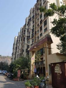 Gallery Cover Image of 915 Sq.ft 2 BHK Apartment for rent in Kandivali East for 26000