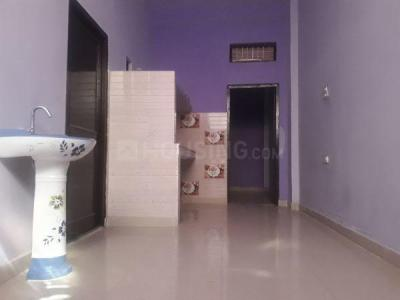 Gallery Cover Image of 600 Sq.ft 1 BHK Independent House for rent in Shahdara for 6500