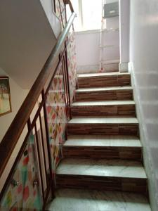 Gallery Cover Image of 2600 Sq.ft 6 BHK Independent House for buy in Golf Green for 10000000