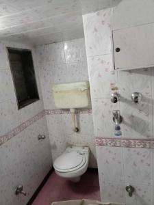 Bathroom Image of PG 4039562 Churchgate in Churchgate