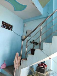 Gallery Cover Image of 2000 Sq.ft 6 BHK Independent House for buy in Chhapraula for 3800000