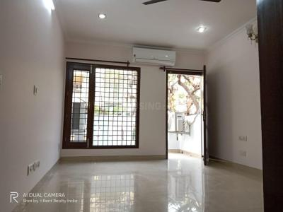 Gallery Cover Image of 2100 Sq.ft 3 BHK Apartment for rent in Vasant Kunj for 70000