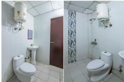 Bathroom Image of Oyo Life Gzb225 in Rajendra Nagar
