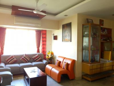 Gallery Cover Image of 2100 Sq.ft 4 BHK Apartment for rent in Chembur for 125000