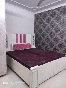 Gallery Cover Image of 800 Sq.ft 2 BHK Independent Floor for rent in Sector 19 Dwarka for 18000