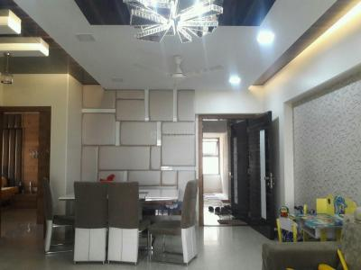 Gallery Cover Image of 1800 Sq.ft 3 BHK Apartment for buy in Malad West for 35000000