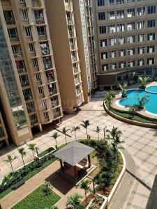 Gallery Cover Image of 869 Sq.ft 2 BHK Apartment for buy in Marina Enclave Tower K & L, Malad West for 15200000