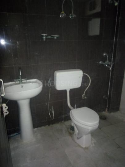 Bathroom Image of 1450 Sq.ft 3 BHK Apartment for rent in Neharpar Faridabad for 15000