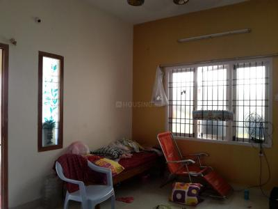 Gallery Cover Image of 1100 Sq.ft 2 BHK Independent Floor for rent in Medavakkam for 11000