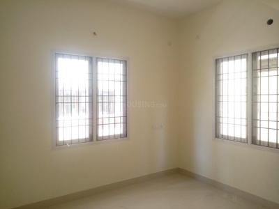Gallery Cover Image of 946 Sq.ft 2 BHK Apartment for buy in Pallikaranai for 4999999