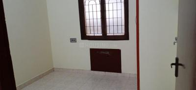 Gallery Cover Image of 1150 Sq.ft 2 BHK Apartment for rent in Velachery for 16000