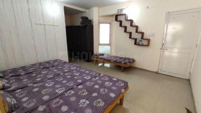 Bedroom Image of Aarav PG Service in Bodakdev