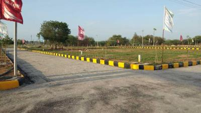 Gallery Cover Image of  Sq.ft Residential Plot for buy in Yadagirigutta for 900000