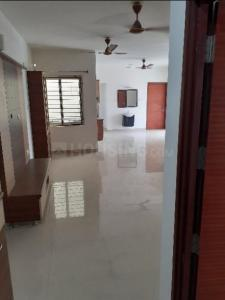 Gallery Cover Image of 1285 Sq.ft 3 BHK Apartment for rent in S and S Sarvam Apartments, Pallikaranai for 26000