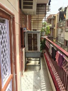 Gallery Cover Image of 900 Sq.ft 2 BHK Independent Floor for rent in Uttam Nagar for 12000