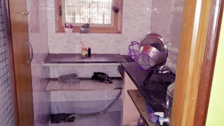 टोल्ल्यगूंगे में बाथरूम इमेज ऑफ गर्ल'एस पीजी टोल्ल्यगूंज