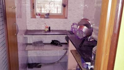 Bathroom Image of Girl's PG Tollygunj in Tollygunge
