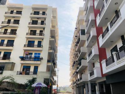 Gallery Cover Image of 1500 Sq.ft 3 BHK Independent Floor for buy in Lucky Palm Valley, Noida Extension for 3500000