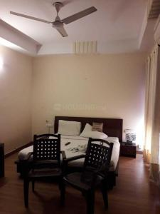 Gallery Cover Image of 1450 Sq.ft 3 BHK Apartment for rent in Malad West for 50000