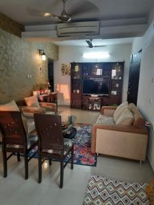 Gallery Cover Image of 1725 Sq.ft 4 BHK Apartment for buy in Lodha Casa Bella Gold, Palava Phase 1 Nilje Gaon for 13500000