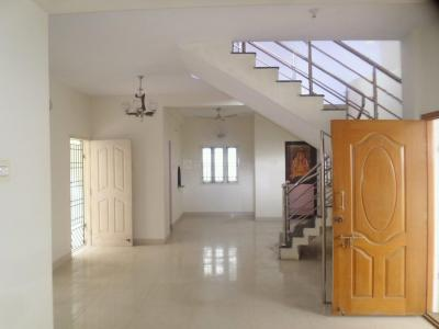 Gallery Cover Image of 1300 Sq.ft 3 BHK Independent House for rent in Velachery for 24000