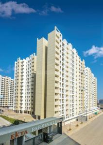 Gallery Cover Image of 695 Sq.ft 1 BHK Apartment for buy in Rustomjee Global City, Virar West for 3290000