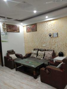 Gallery Cover Image of 660 Sq.ft 2 BHK Independent Floor for rent in Sangam Vihar for 8000