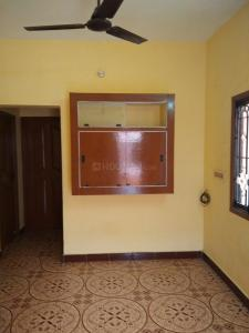 Gallery Cover Image of 1700 Sq.ft 2 BHK Villa for rent in Thoraipakkam for 14500