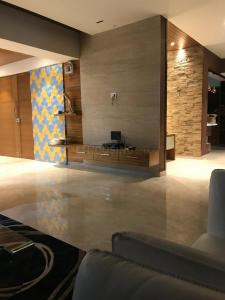 Gallery Cover Image of 2960 Sq.ft 3 BHK Apartment for rent in Shreeya Antilia, Thaltej for 65000