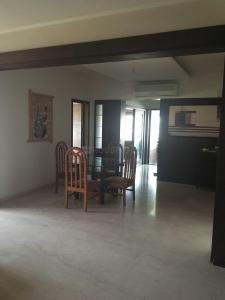 Gallery Cover Image of 3600 Sq.ft 4 BHK Apartment for rent in Ellisbridge for 50000