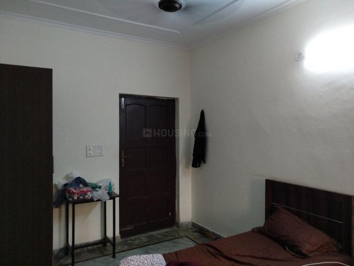 सेक्टर 23 में होम लिविंग पीजी के बेडरूम की तस्वीर