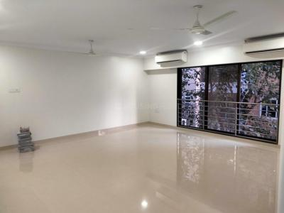 Gallery Cover Image of 1200 Sq.ft 3 BHK Apartment for rent in Khar West for 100000