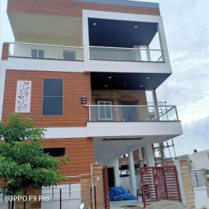 Gallery Cover Image of 8500 Sq.ft 6 BHK Villa for buy in Sainikpuri for 100000000