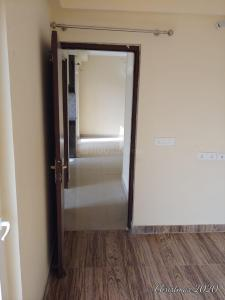 Gallery Cover Image of 880 Sq.ft 2 BHK Apartment for rent in Sector 15A for 11000