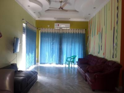 Gallery Cover Image of 4000 Sq.ft 3 BHK Independent House for rent in New Town for 50000