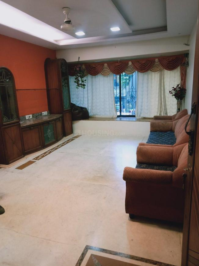 Living Room Image of 800 Sq.ft 2 BHK Apartment for rent in Santacruz East for 60000