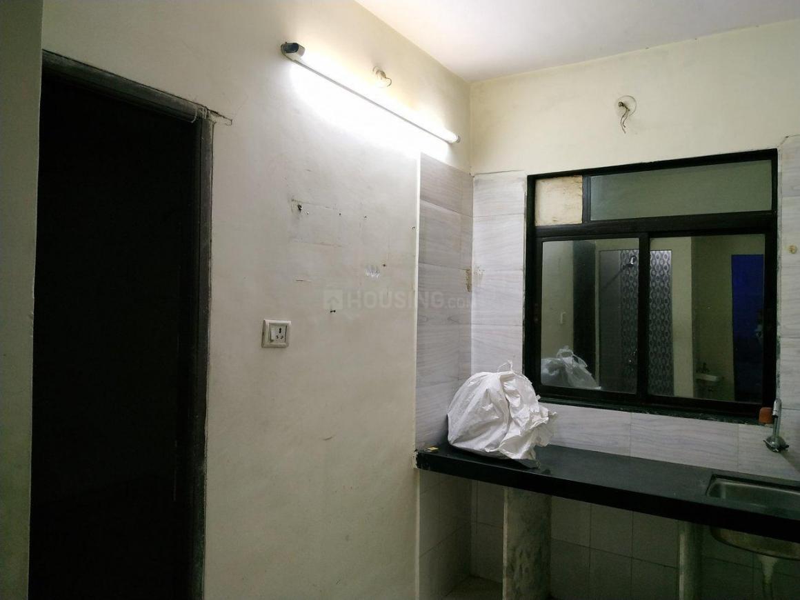 Kitchen Image of 608 Sq.ft 1 BHK Apartment for rent in Kopar Khairane for 15000