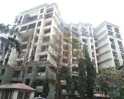 Gallery Cover Image of 1250 Sq.ft 3 BHK Apartment for rent in Lalani Velentine Apartment, Malad East for 55000