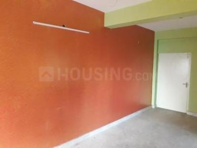 Gallery Cover Image of 720 Sq.ft 3 BHK Apartment for rent in South Dum Dum for 14000