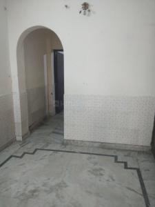 Gallery Cover Image of 600 Sq.ft 1 RK Independent Floor for rent in Niti Khand for 9500
