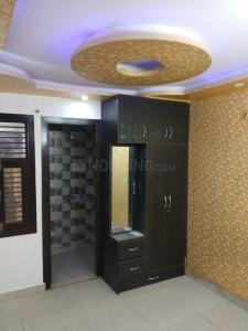 Gallery Cover Image of 850 Sq.ft 3 BHK Independent Floor for rent in Dwarka Mor for 15000