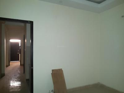 Gallery Cover Image of 560 Sq.ft 2 BHK Apartment for rent in Sector 4 Rohini for 7400