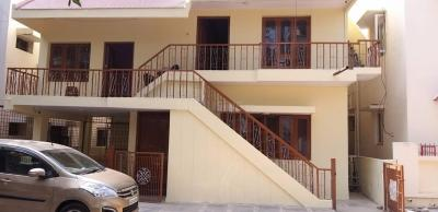 Gallery Cover Image of 1300 Sq.ft 2 BHK Independent House for rent in Srinivasa Nilaya by Reputed Builder, Domlur Layout for 26000