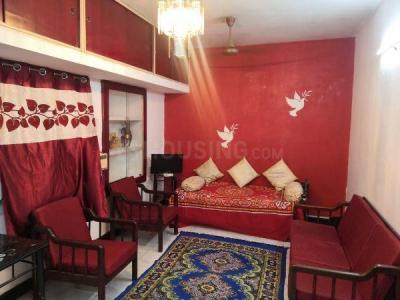 Gallery Cover Image of 1800 Sq.ft 3 BHK Independent House for buy in Saligramam for 19000000