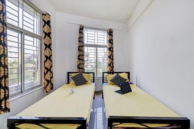 हूससाइनपुर में पीजी फॉर गर्ल्स एंड बॉइज़ में बेडरूम की तस्वीर