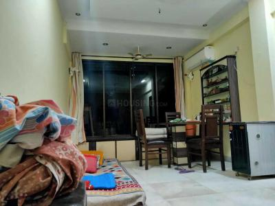 Gallery Cover Image of 450 Sq.ft 1 RK Apartment for rent in Santacruz West for 39000